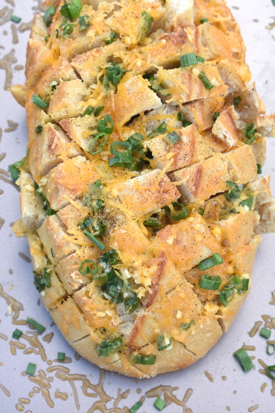 cheddar green onion pull apart bread