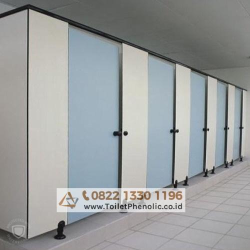 Toilet Cubicle Surabaya (Partisi Kamar Mandi Phenolic) Murah