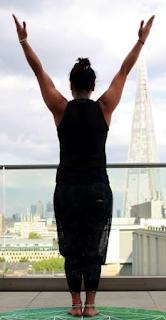 Bagaimana Yoga membangun harga diri, kesadaran dan lebih