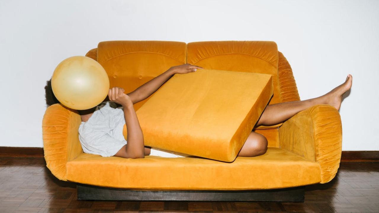Jadi Nolep di Kamar Bukan Berarti Kalian itu Seorang Introvert