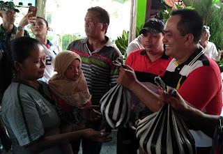Jalin Kedekatan dengan Wong Cilik, LAPAAN RI Bagikan Ribuan Paket Sembako