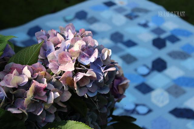 Quilt, Jolly Bar Jazz Quilt, True Blue, Essex Yarn Dyed Linen, Der Rabe im Schlamm, Hortensie