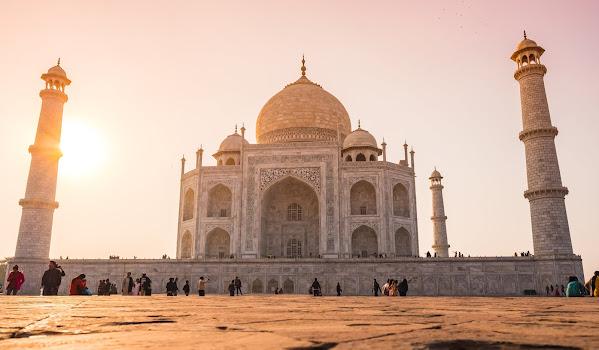 Indie - kraj kontrastów społecznych i gospodarczych