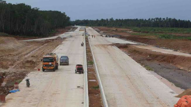 RI Gencar Bangun Tol, Jokowi: Saya Minta 5 Tahun 1.000 Km