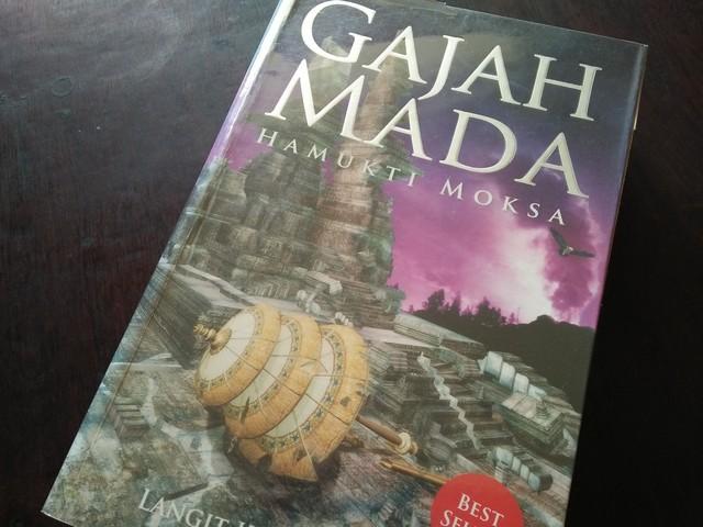 """Resensi Novel """"Gajah Mada – Hamukti Moksa"""""""