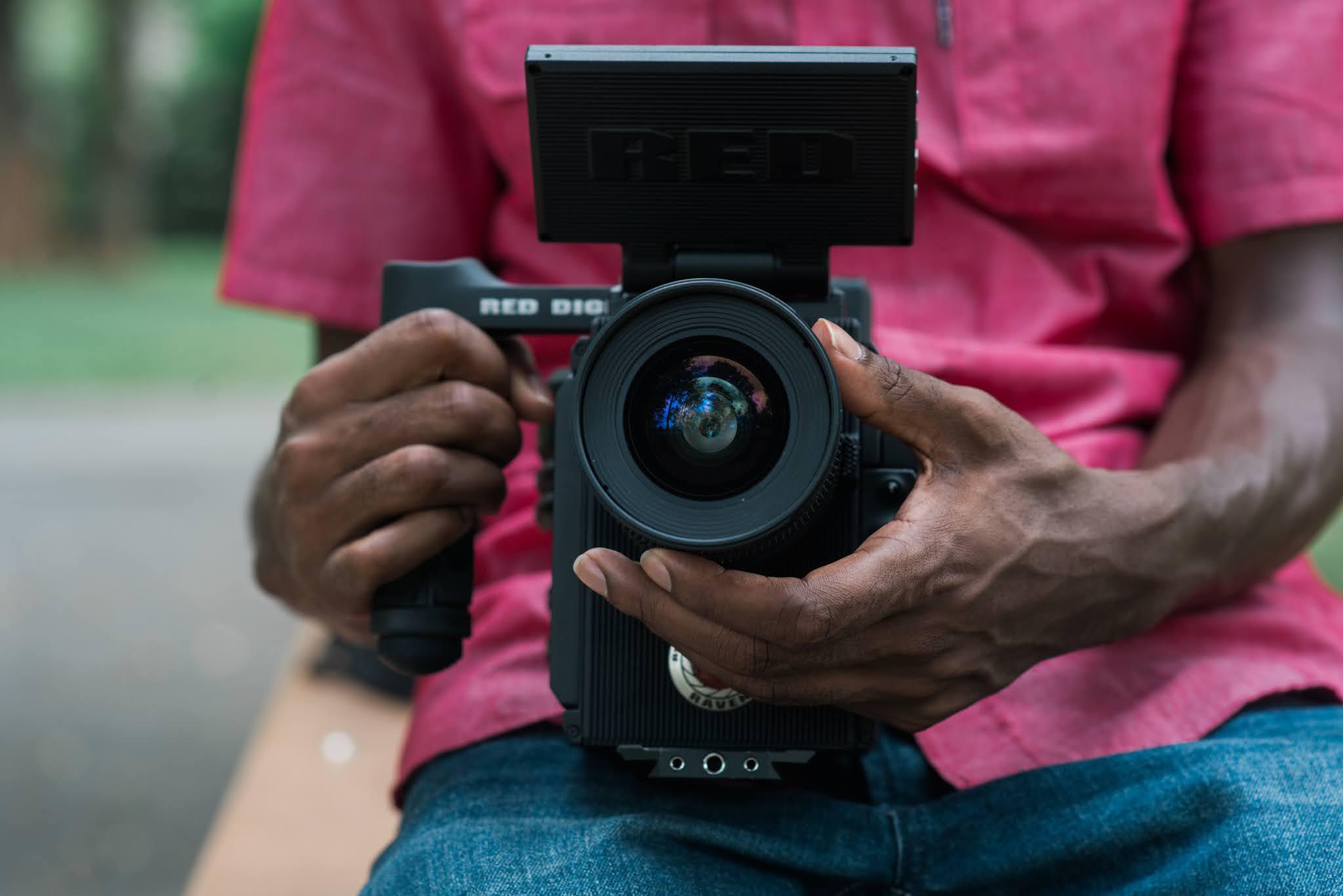 Jesteś blogerem, który robi zdjęcia produktowe? Sprawdź czy posiadasz wszystkie niezbędne do tego rzeczy.