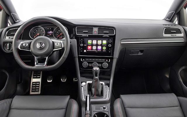 VW Golf GTI 2019 com transmissão manual - EUA