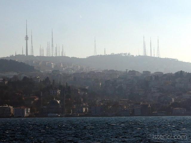 Çamlıca Tepesindeki Eski Televizyon Kuleleri