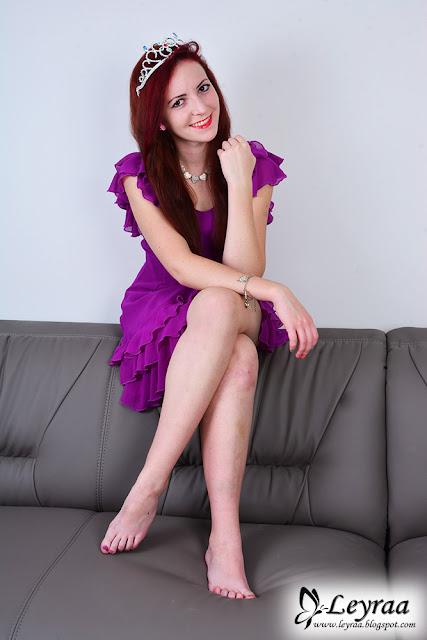 2.11.16 Śliwkowa sukienka z falbankami, Tiara, czarne szpilki, naszyjnik serca + wspomnienia pierwszych kroków Leyraa-Shop.pl🦋