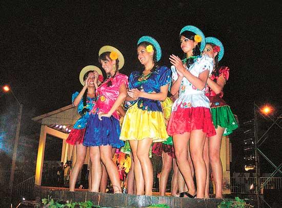 En Tarija Jueves de Comadres tendrá vestimentas más tradicionales