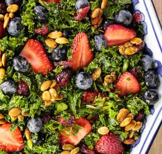 Strawberry Kale Salad with Honey Lemon Dressing #vegetarian #summerrecipes