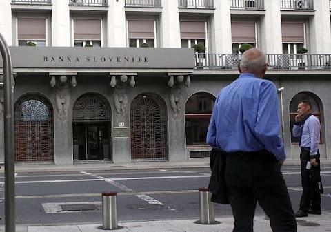 A szlovén jegybanknak kárpótolnia kell a bankrendszer 2013-as szanálása során károsult befektetőket