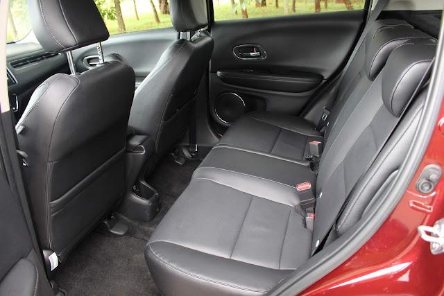 Honda HR-V EXL 2019 - interior - espaço traseiro