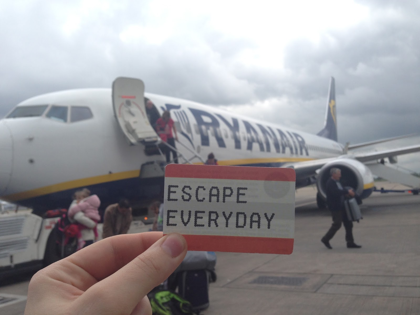 what is ryanair like, ryanair review, recommend ryanair, how to avoid ryanair fees, flying with ryanair, budget airlines, flying in europe, travelling in europe, traveling in europe