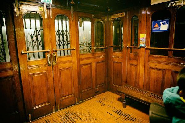 長蛇の列ができるというサンタ・ジュスタのエレベーター