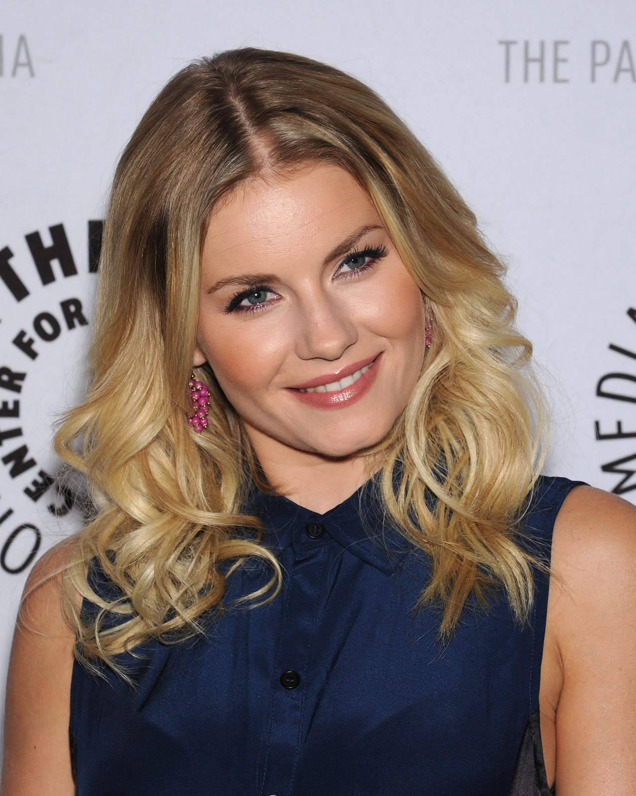 Elisha Cuthbert Latest Photos: Film Actresses: 2012-11-25