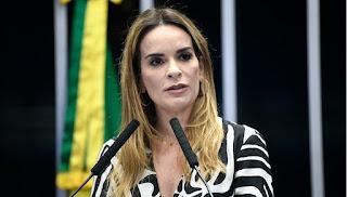 Daniella assina moção pedindo ajuda internacional para compra de vacinas