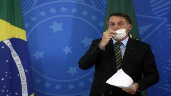 Denuncian a Bolsonaro por sustitución de autoridades sanitarias