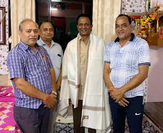 पदाधिकारियों से मिलने भायंदर पहुंचे डॉ. किशोर सिंह | #NayaSaberaNetwork