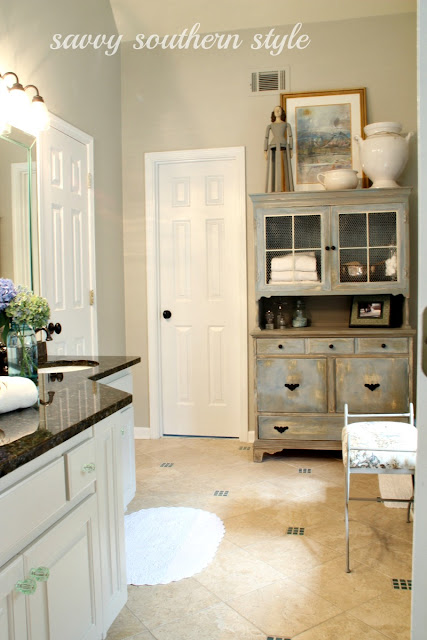 Savvy Southern Style : Master Bath Cabinets are Finished
