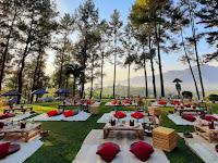 PT TWC  Tawarkan  Sensasi Sarapan Pagi  di Atas Bukit Candi Borobudur