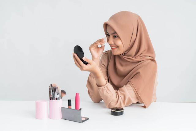 4-Tips-Memanfaatkan-Foundation-untuk-Make-Up
