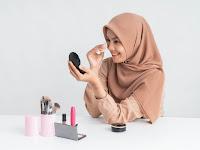 4 Tips Memanfaatkan Foundation untuk Make Up