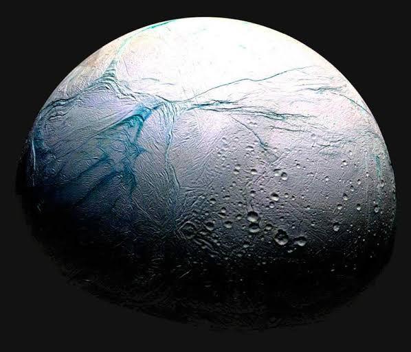 Las 'rayas de tigre' de la luna Encelado de Saturno