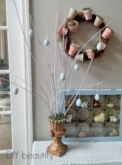 How to Make an Easter Tree with Chalk Painted Eggs www.diybeautify.com