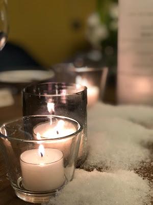Candlelight, Kerzenschein, Winterhochzeit in Garmisch-Partenkirchen, 4Eck Restaurant, heiraten in Garmisch, Hochzeitslocation, standesamtliche Trauung, Hochzeitsplanung 4 weddings & events, Hochzeitsplanerin Uschi Glas