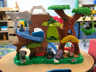 using a toy zoo in preschool speech therapy