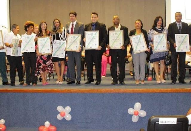 Personalidades da Bahia são diplomados Embaixadores da Paz na Assembléia Legislativa