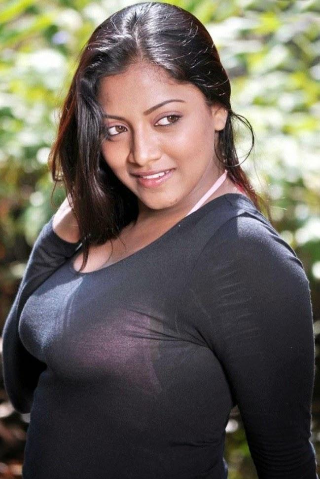 Sexy Bhabhi Diasy Sha Flaunting Big Juicy Melons In Pink -4137