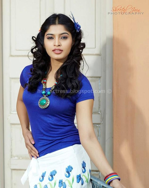 Sanchita shetty hot  photo
