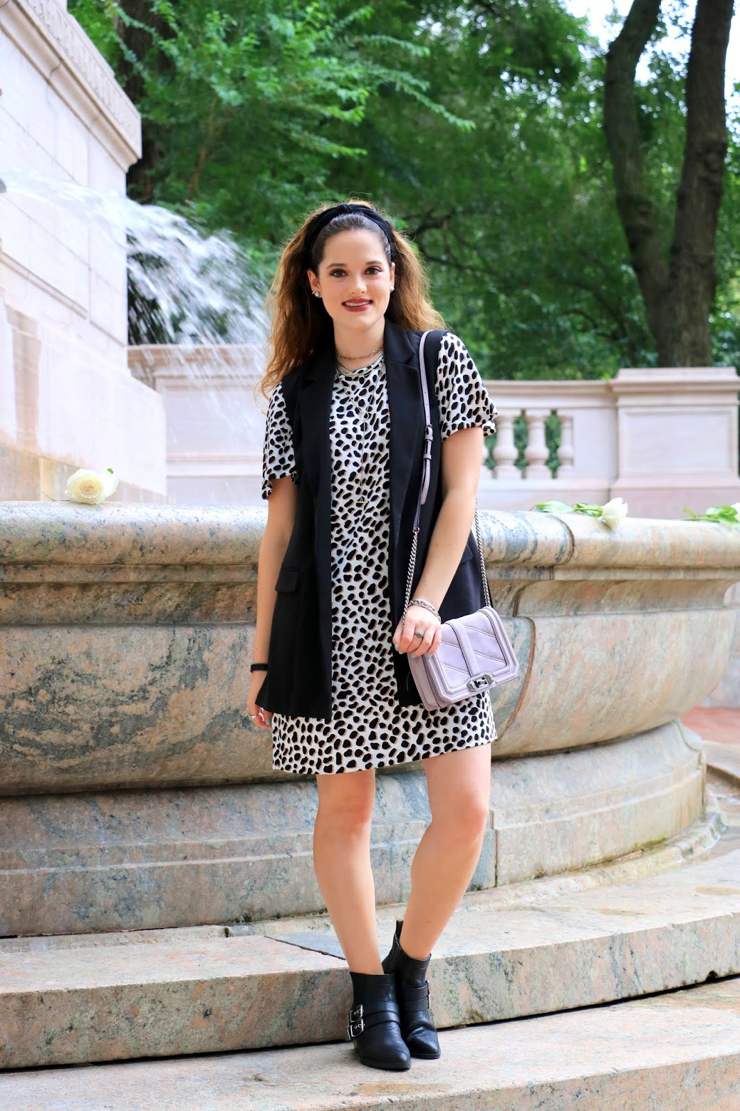 Nyc fashion blogger Kathleen Harper's leopard outfit ideas