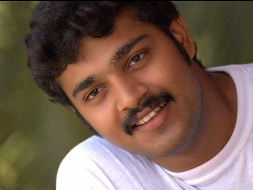 Malayalam Serial Actor Sharath Kumar dies in a road accident
