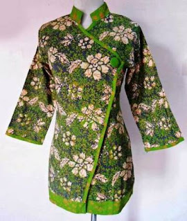contoh baju batik atasan wanita terbaru
