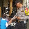 Polisi Sahabat Anak, Antar Anak Kecil yang Tersesat Kepada Ibu nya