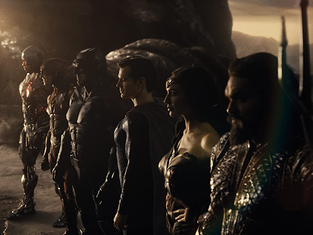 Ray Fisher, Ezra Miller, Ben Affleck, Henry Cavill, Gal Gadot, Jason Momoa. Imagen de Warner Bros.