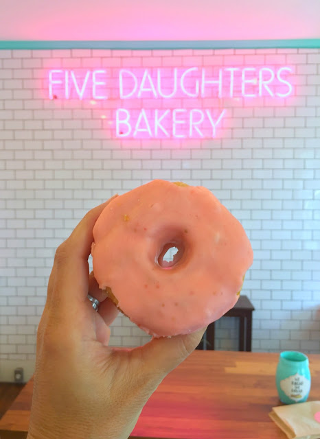 Where to go in Nashville, Tennessee   Five Daughter's Bakery   www.jacolynmurphy.com
