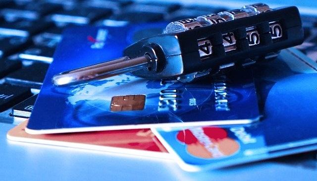 pengertian debit dan kredit dan perbedaannya