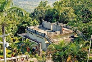 tempat wisata di Bangka Belitung gunung menumbing