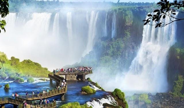 Com avanço da vacinação, Foz do Iguaçu ganha novo fôlego no turismo
