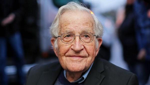 Cómo se adoctrina a los jóvenes para que obedezcan | por Noam Chomsky