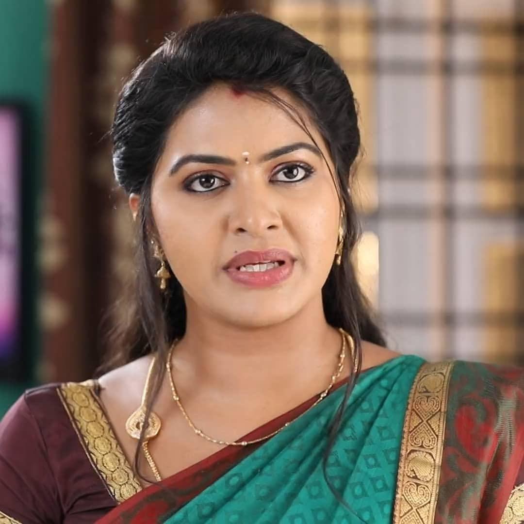 Rachitha mahalakshmi cute Expression, Hot TV Actress Tamil 6