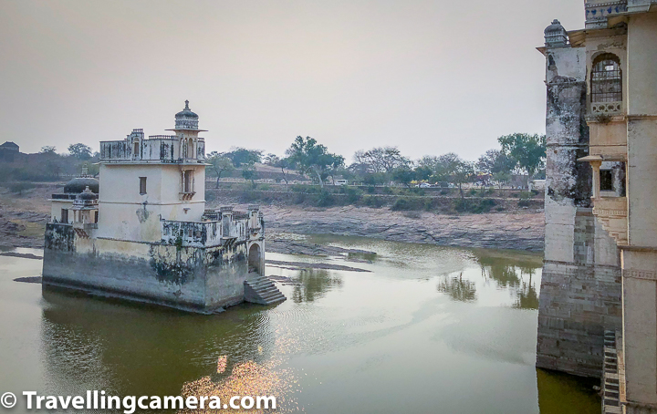 During our visit to Chittor Fort in Rajasthan, we came across different narrations of Rani Padmavati. That made me realised that why there were so many controversies during the release of bollywood movie Padmavati which was later renamed to 'Padmavat'. There is Padmini Palace inside Chittor Fort and this blogpost will share about this palace, stories associated and then some interesting details around which story to believe in.