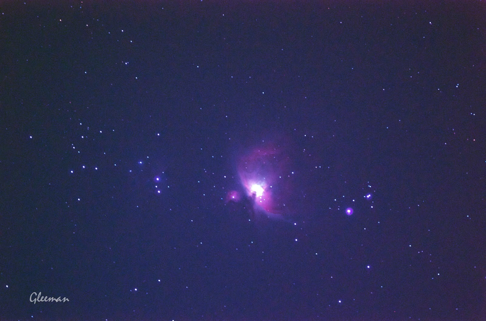 m42獵戶座大星雲 Pentax 75SDHF +K5, O-GPS1 astrotracker, Kenko HF 濾鏡 , ISO6400 40秒單張。