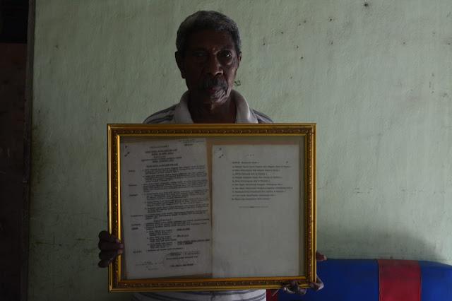 Ekber Laubase, Sang Pencipta Logo Pemerintah Kabupaten Alor pada 1974.lelemuku.com.jpg