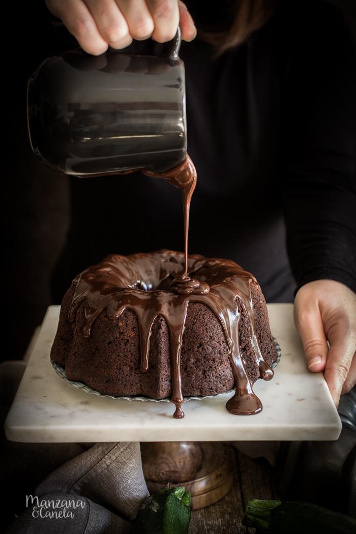 Bizcocho de cacao y calabacín.