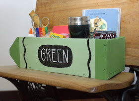 paint a pallet wood box to make it look like a crayon